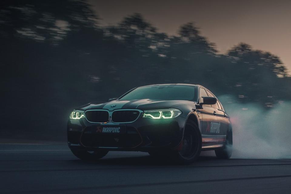 AKRAPOVIČ - BMW M5 DC